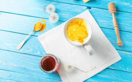 Heilrezept: Ingwer-Gelbwurz-Tee zur Leber- und Nervenstärkung